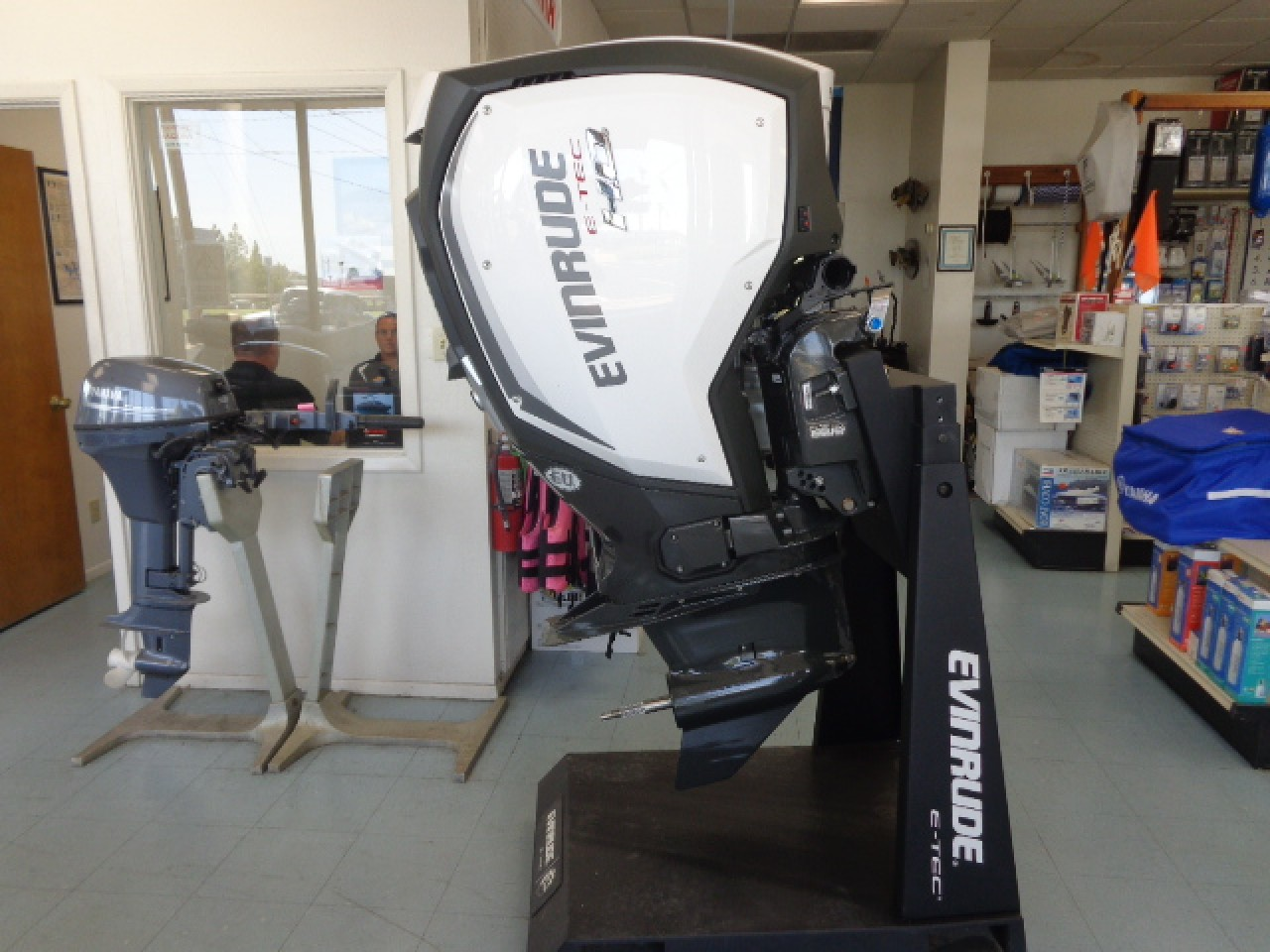 90 better way to review the new evinrude e tec 250 g2 for Outboard motor reviews 2017